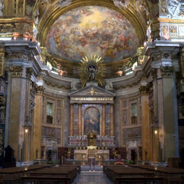 Interno della Chiesa del SS. Nome di Gesù all'Argentina a Roma