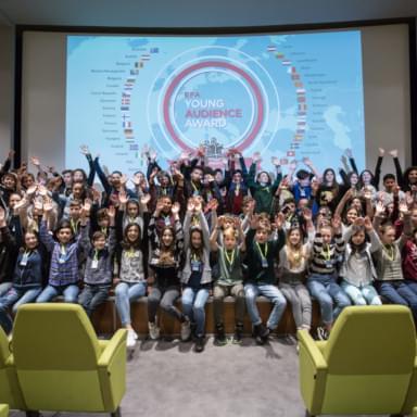 Giovani a un evento organizzato dalla Fondazione Niels Stensen di Firenze, legata ai padri gesuiti