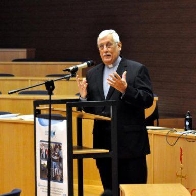 Padre Arturo Sosa durante un evento di formazione alla leadership ignaziana