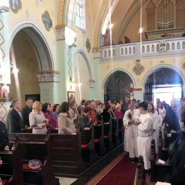 Celebrazione solenne alla Chiesa del Sacro Cuore di Gesù a Satu Mare, Romania
