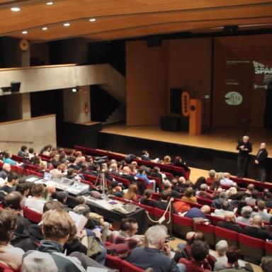 Immagine della platea ad un evento organizzato dal Centro Culturale San Fedele dei padri gesuiti a Milano