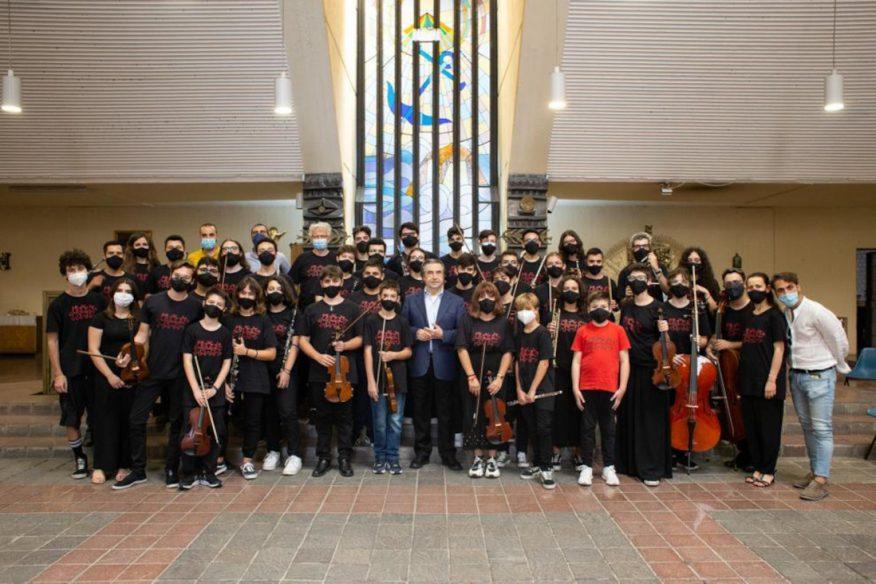 L'orchesta del progetto Musica Libera Tutti di Scampia con il Maestro Riccardo Muti